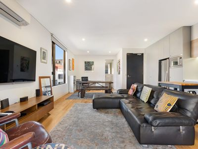 SURRY HILLS 7 BEDFORD