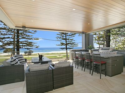 Outdoor Oceanfront Dining