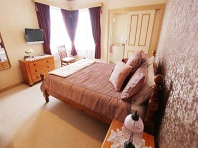 Rose room with ensuite