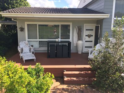 Front Deck with Bar Table and Chairs for 6