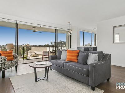 Neutral Bay Executive Apartment