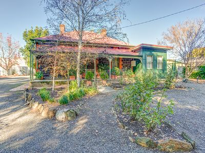 Exterior, Winery Cottage