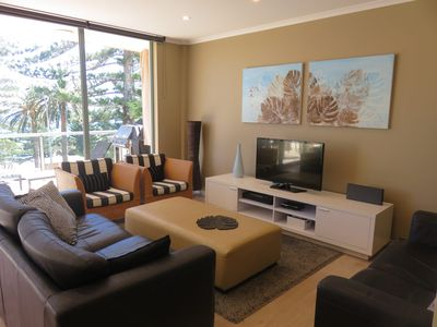 TRADEWINDS 5 - MODERN 100 METRES TO BEACH
