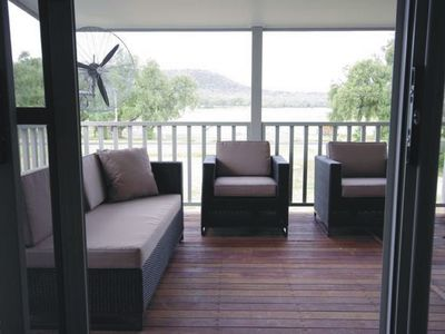Large Verandah w/ view of Mountains, Pastures & Vines