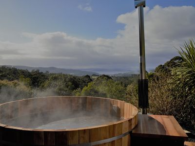 Japanese hot tub for 6: totally private with spectacular view