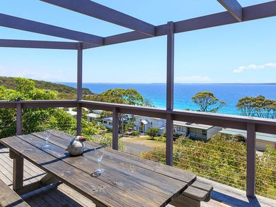 Amazing Views at Hyams Beach - Pay for 2, Stay for 3 + 4pm Check Out Sundays