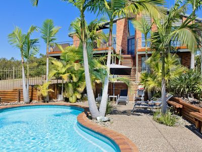 Panorama Beach House, tropical setting