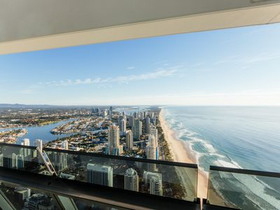 PENTHOUSE 69 - Contemporary Hotels