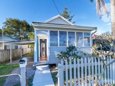 Roomy Two Bedroom Holiday Home - 32 Witt Street
