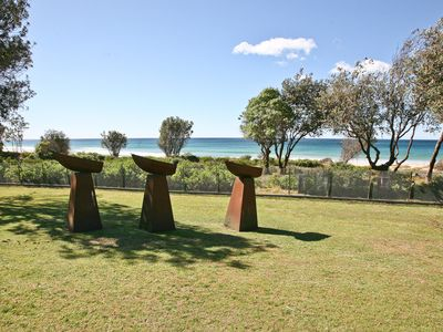 Cuttagee Beach Art House - Where art meets beach - 10 min to Bermagui -T/B3599