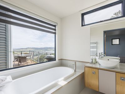 Bath with a view - Large separate shower