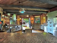 Fully equipped main kitchen