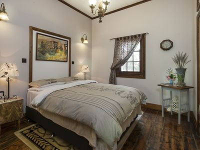 Lovely presented bedroom with Queen Bed