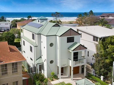 41 Teemangum Street Currumbin - Luxury Beachside holiday home
