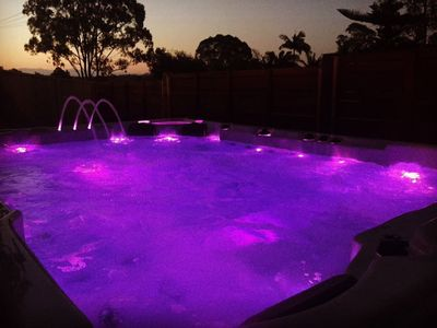 Relax and unwind beneath the stars in our 10 person hot & cold hydrotherapy tub