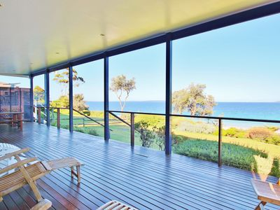 Sea Magic on Hyams Beach - Pay for 2, Stay for 3 + 4pm Check Out Sundays