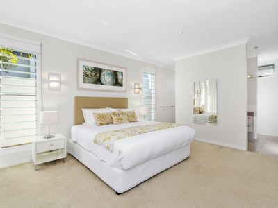 KINGSCLIFF BEACH HOLIDAY HOUSE @ SALT VILLAGE