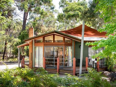 Luxury Couples Accommodation in the centre of Halls Gap