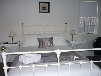 Queensize Bedroom with ensuite