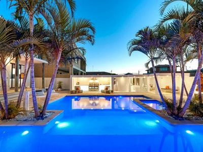 Resort Heated Pools With Spa & Cabana