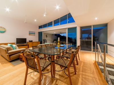 Executive Town Home - Azure Sea in Airlie Beach WI-FI
