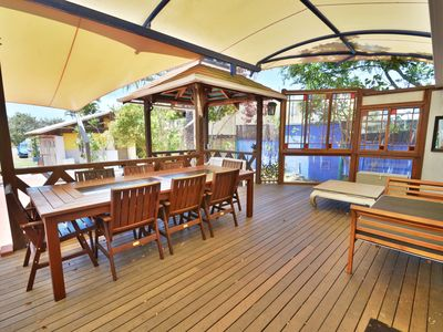 LARGE BALINESE STYLE Entertaining deck