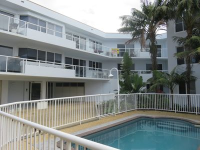 OCEANSHORES 18 LOVELY THREE BEDROOM UNIT CLOSE TO TOWN