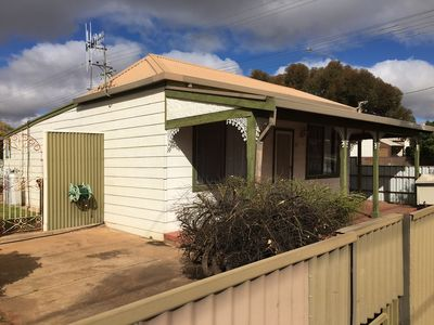 Broken Hill Holiday Cottage