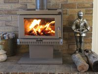 Wood Fire: Great for a cosy Winter's Stay