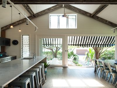 Snappermans Beach House - by Betina King