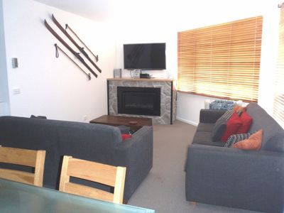 Living Room, Large TV, Gas Fireplace