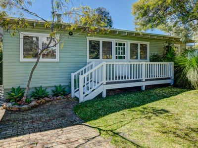 Calypso's Cottage at Hyams Beach - Pay for 2, Stay for 3 + 4pm Check Out Sundays