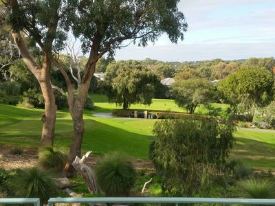 BREATHTAKING GOLF COURSE VIEWS -NEXT TO Joondalup City and Beach