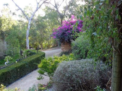 One acre property in Eltham South close to Montsalvat and the Yarra Parklands
