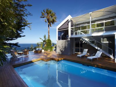 WHALE BEACH VILLA - Contemporary Hotels