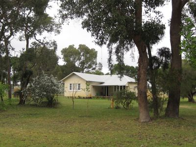 Sandy Lake Farm for Abbeys Cottage a private holiday home farm stay