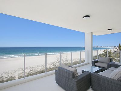 Azure 4 - Absolute Beachfront Apartment