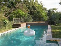 Beautiful & private 10 m pool with goggles & toys