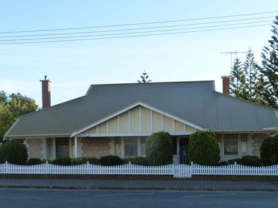 Frontage in St Vincent Street Stansbury