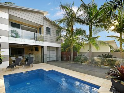 Prestige Holiday Homes - Mudjimba Beach House