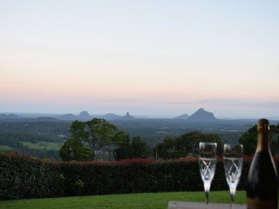 Spectacular views over the Glasshouse Mountains