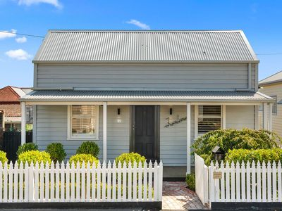 Gorgeous Front Façade of The Cottage - Only a 5 Minute Stroll to Pakington St.