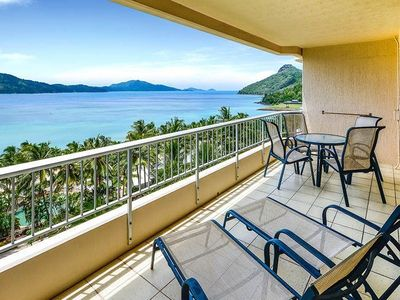 Whitsunday Apartment 605 - Entertaining