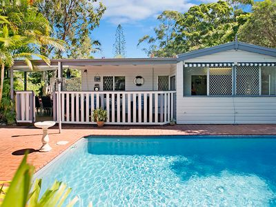 Traditional Queensland Cottage with private Swimming pool and Garden