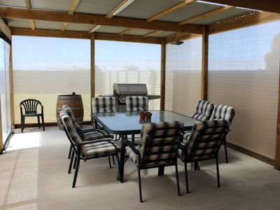 NEW Outdoor BBQ and entertaining area