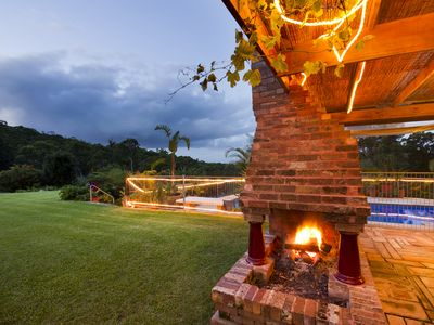 The amazing outdoor fireplace