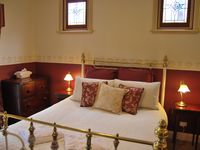 Wright House- Bed Room 1 Luxury Queen bed with ensuite PLUS King Single bed.