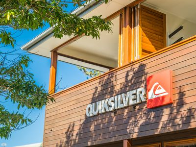 Quiksilver Apartments - The Wreck - above the iconic Quiksilver store