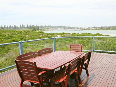 Breakwater 4 - Beachfront apartment in town - great views & safe swimming areas