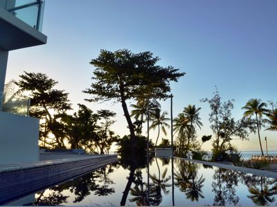 Mission Beach Penthouse No 3 - Shared Pool by the ocean